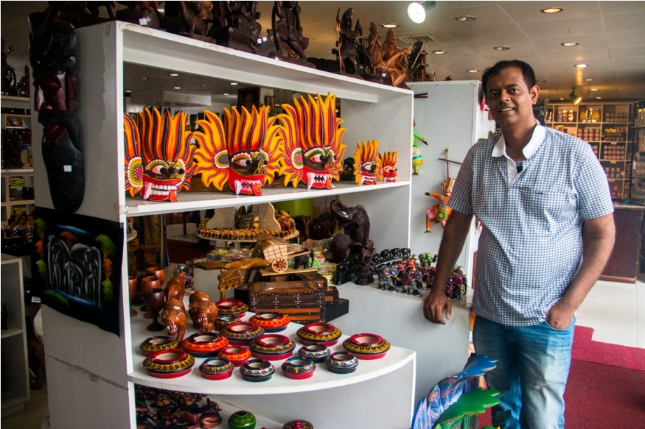 Masks and handicrafts in Colombo. Sri Lanka Shopping Guide