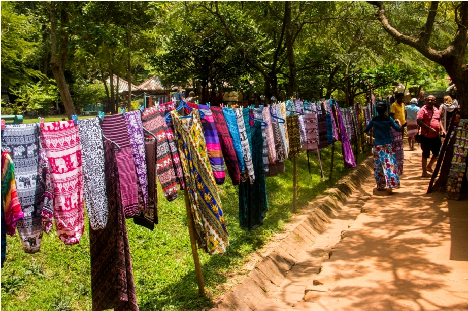 Shops outside Sigiriya. Sri Lanka Shopping Guide