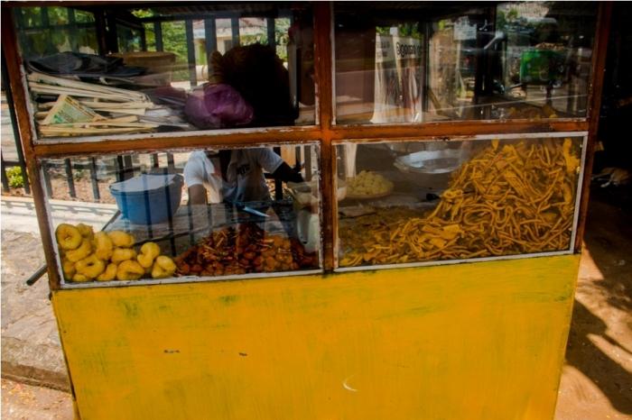 Street food, mendu vada, murukku. India Sri Lanka Vegan Food