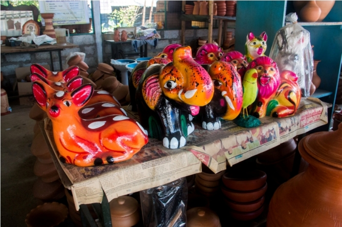 Terracotta toys. Sri Lanka Shopping Guide