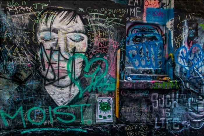 Dustbin Drugs Heroin Grafitti Street Art Hosier Lane Melbourne Australia (5)
