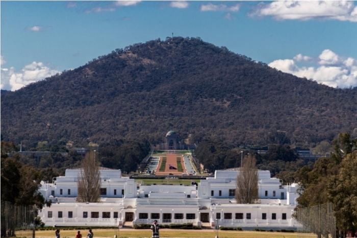 Australian War Memorial Lake Burley Griffin Canberra Australia (2)