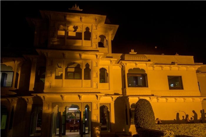 Justa Lake Nahargarh Palace, Chittorgarh Rajasthan India Suite room night