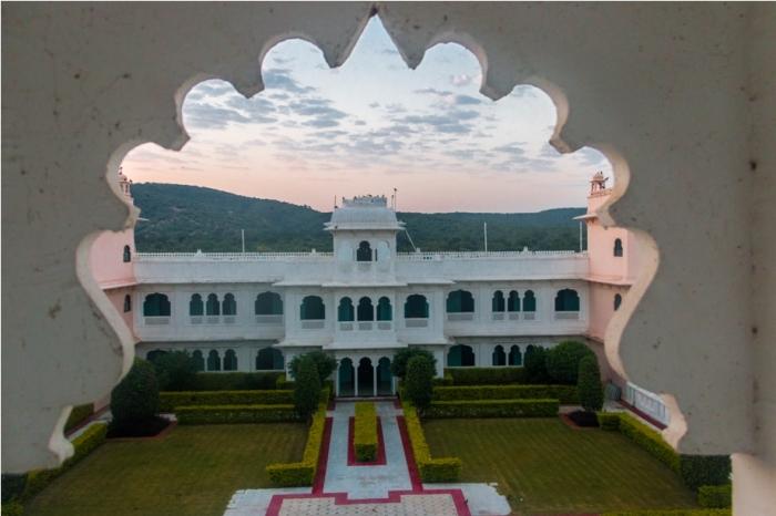 Justa Lake Nahargarh Palace, Chittorgarh Rajasthan India sunrise (2)