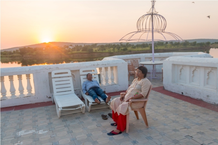Justa Lake Nahargarh Palace, Chittorgarh Rajasthan India swimming pool (4)