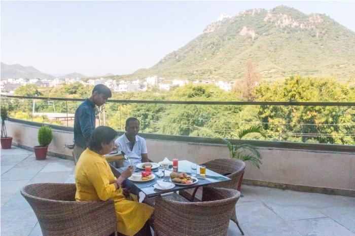Justa Sajjangarh Resort Hotel Udaipur Food (7)