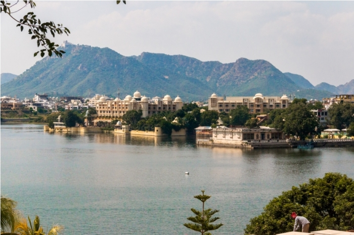 Lake Pichola City Palace Udaipur Rajasthan India (2)