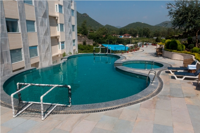 Pool Justa Sajjangarh Resort Hotel Udaipur Food