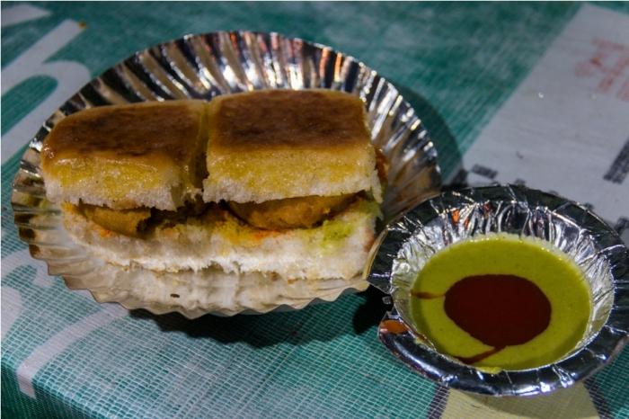 vada pao Gadh Kaleva Vegetarian Food Raipur Chattisgarh Chowpatty Marine Drive