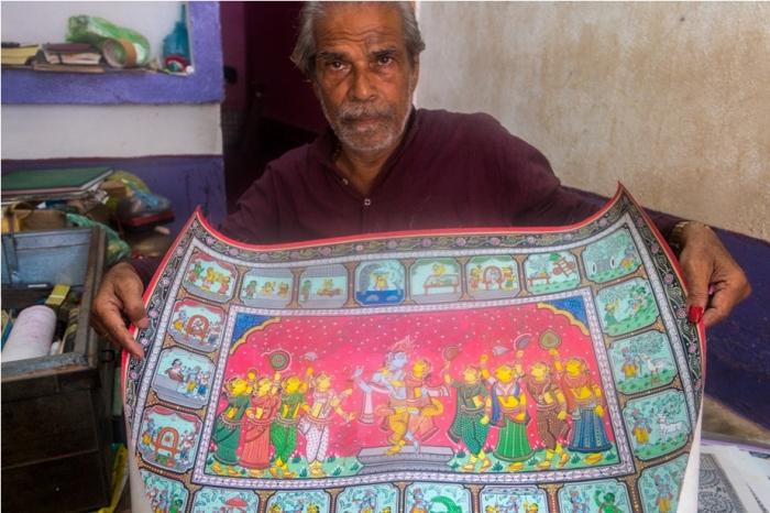 Gangadhar Nayak dancer Raghurajpur Heritage Village Pattachitra Puri Odisha