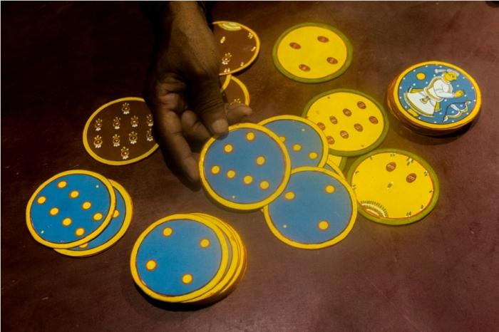 Ganjapa card game Raghurajpur Heritage Village talpattachitra Puri Odisha (2)