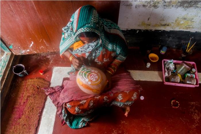 Raghurajpur Heritage Village talpattachitra Puri Odisha coconut