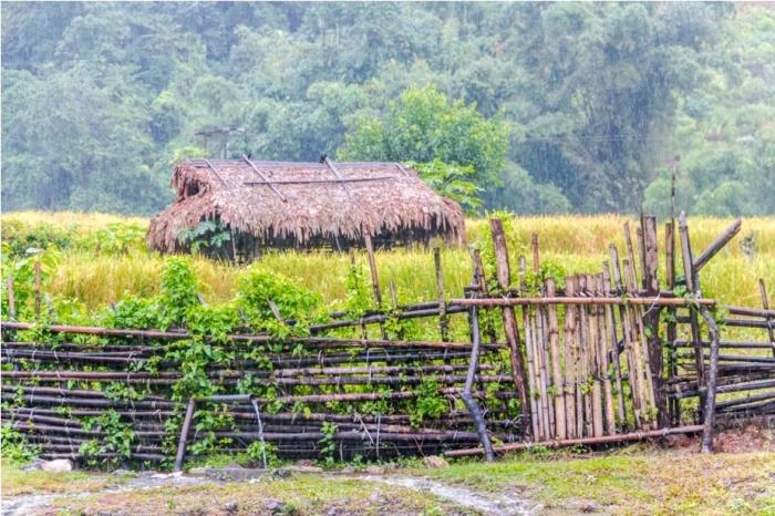 Basar Confluence Bas Con Arunachal Pradesh India hut house