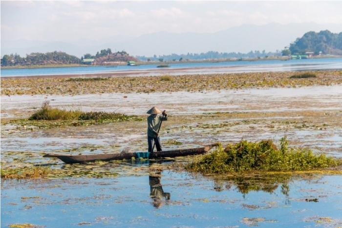 Boat ride Loktak Lake Manipur Incredible India Phumdi (4)