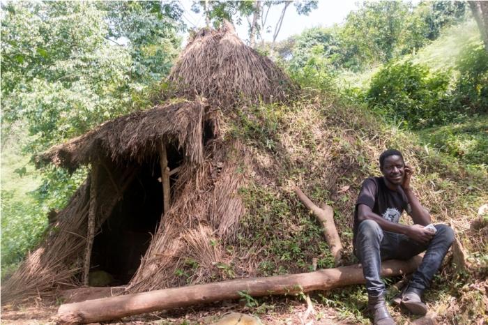 Batwa Pygmy House Gorilla Trek Bwindi Impenetrable National Park Uganda Africa (22)