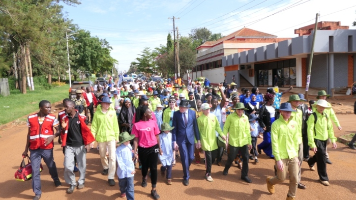 Albinism match in the middle of Jinja town a head of the internation albinism awreness day celebrations (2)