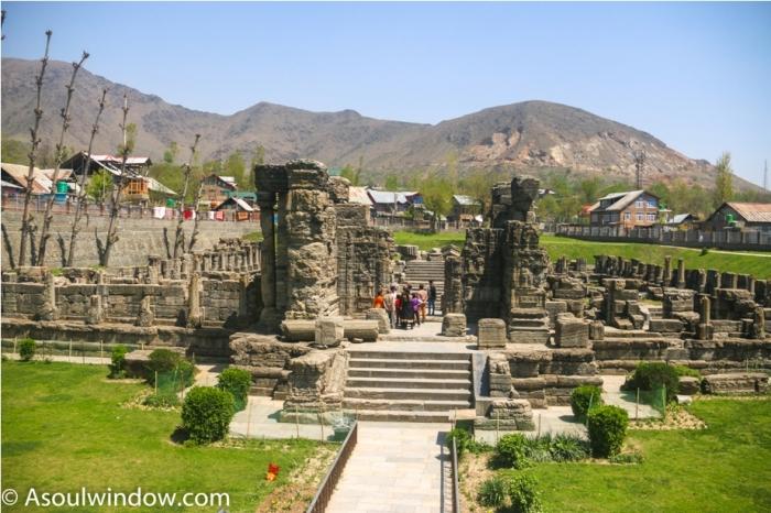 AVANTISWAMIN TEMPLE Avantipura Srinagar Hindu Kashmir (1)