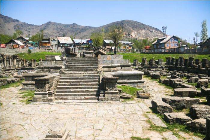 AVANTISWAMIN TEMPLE Avantipura Srinagar Hindu Kashmir (4)
