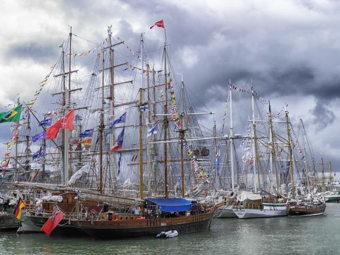 Helsinki harbour sailboats-171186_1280